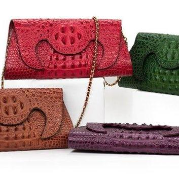 Red Clutch Crocodile Pattern Handma..