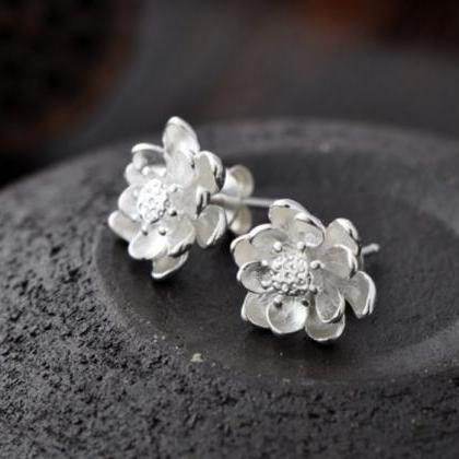 silver plated floral earrings lotus..