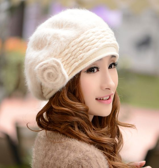 Off White Beret Winter Hats for Women White Rabbit Hair Wool Beret Teen  Girls White Hats 977781c5e3d