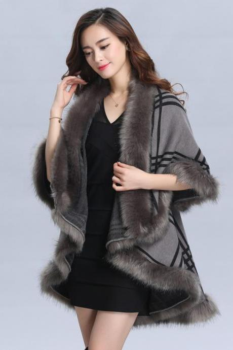 Gray Wraps for Women Wool Material Warm Shawl with Faux Fox Fur Checkered Gray Ponchos for Women Fashion Overcoats