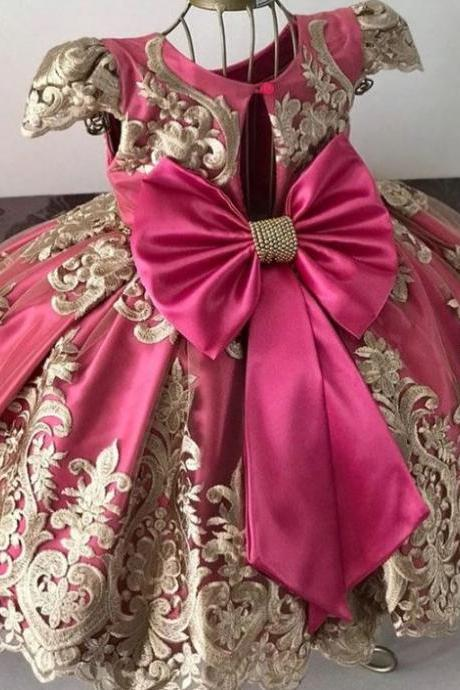 Magenta Color Quinceanera Dresses with Big Giant Bow Embroidery Laced Gowns for Little Princesses with Golden Tiara