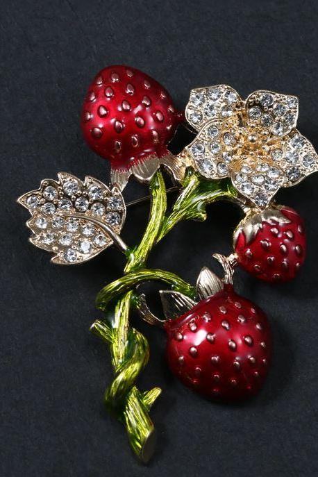 Lovely Strawberry Brooch for Women Free Shipping Strawberry Crystals