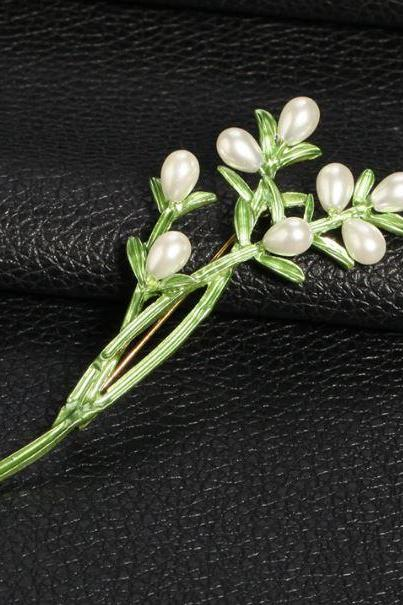 Green Creative Pearl Brooches for Women-Brooches for Wedding-Green Accessories and Brooch 7cm x 3.5cm