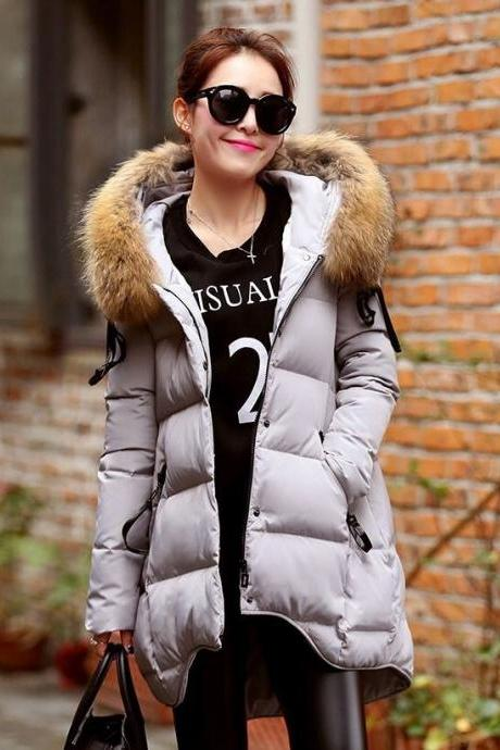 New Fashion Gray Down Parka for Women with Faux Raccoon Fur Collar Winter Gray Coats Cotton Down Filling