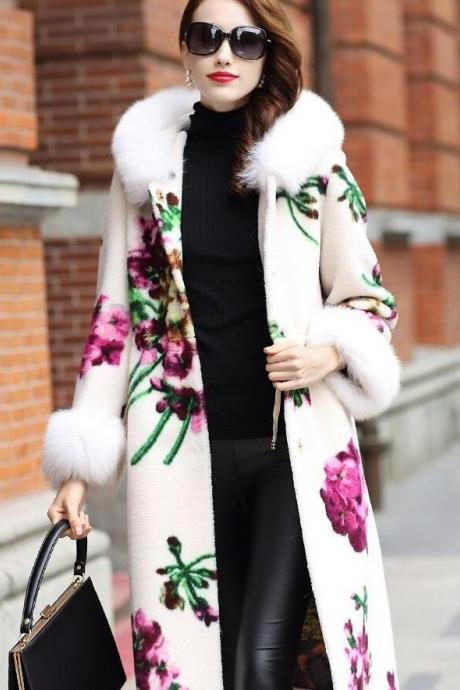 Luxury White Overcoats for Women Warm Wool Printed Roses Sheared Lamb Fur Fox Collar and Wrist FREE Designer Brooch
