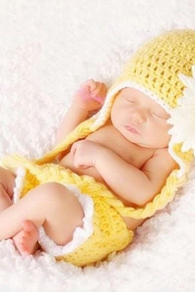 Rsslyn Handmade Crochet Hats Baby Shower Gifts Handmade Yellow Baby Hats Winter hats Preemie Props Matching Set