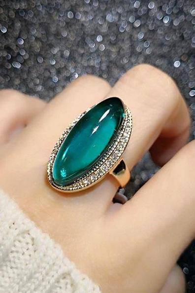 Rsslyn Green Cocktail Rings for Women Fashion Ring RSS5-2272021 Green Austrian Crystal CZ Rings Elongated Shape
