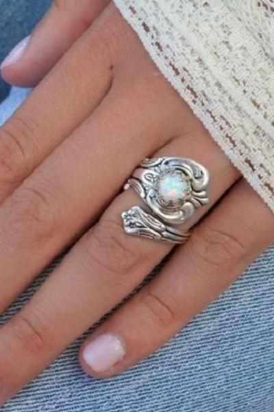 Rsslyn Boho Resizable Thumb Rings for Women RSS9-2282021 Wholesale Ivory White Fire Opal Stoned Rings