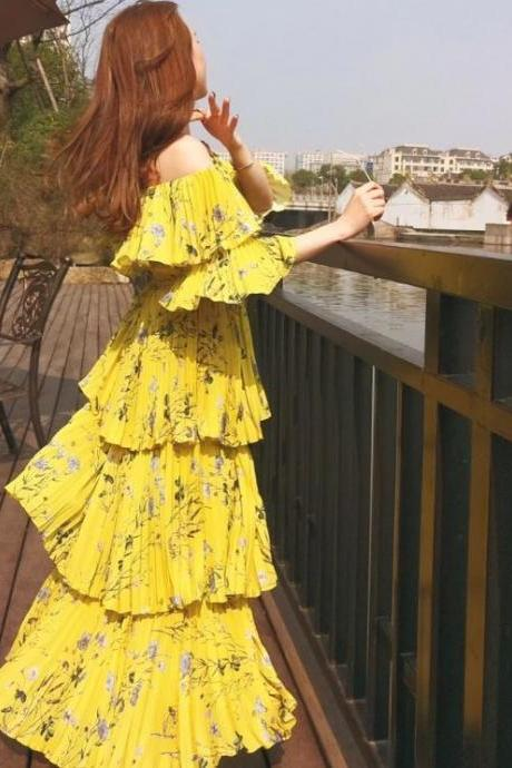Yellow Maxi Dress Tiered Fashion Dress for Women Model Yellow Deluxe Printed Tiered Dress