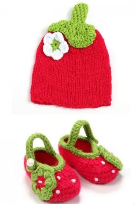 FREE SHIPPING Newborn Props for 0-3 Months Little Girl's Strawberry Hat with Matching Booties-Crochet Red Booties
