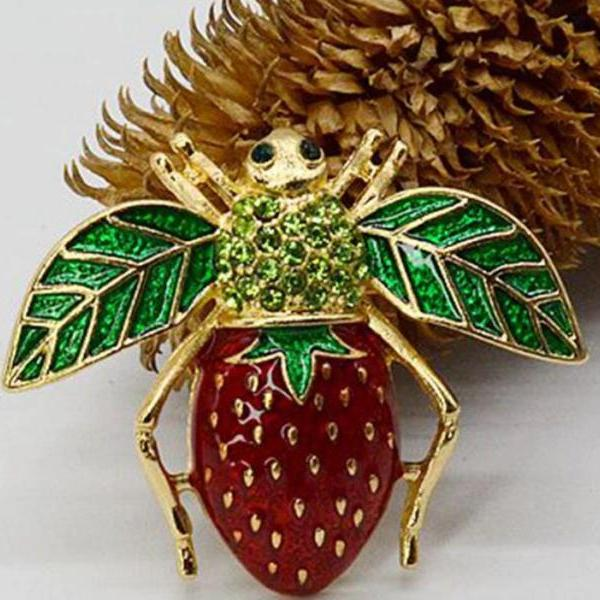 Strawberry Brooch and Pins for Women Fly Brooch Insect Brooch-Birthday Gift Flying Strawberry Pins for Men
