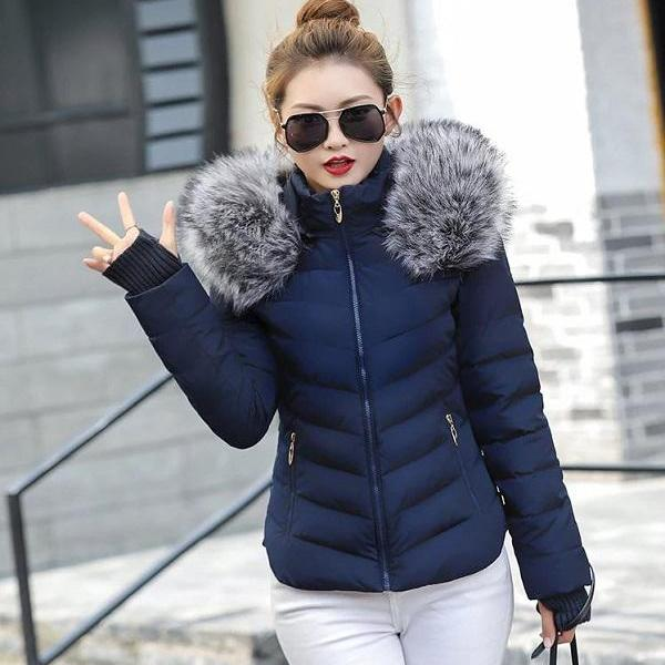 Rsslyn Cropped Jackets Fashion Parka with Attached Hand Warmer Faux Fur Hood Winter Jackets for Women