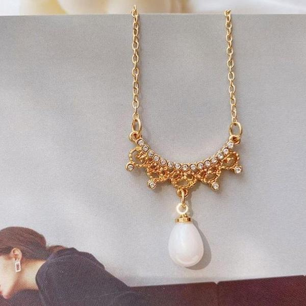 Rsslyn Fashion Necklaces for Women Minimalist Heart and Pearl Necklaces